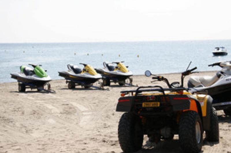 Club De Plage Waikiki Beach Loisirs Et Sports Office Jet Ski